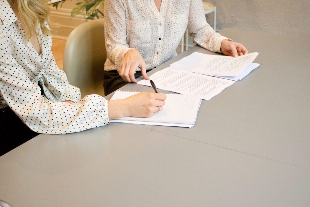 Schriftlicher Vertragsabschluss mit dem Kunden